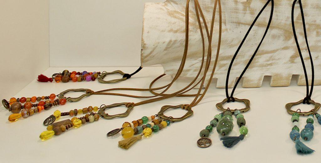 showroom-colgantes-accesorios